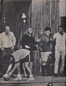"Zeloni, Golias, Renata Fronza, Jô Soares e Pelé em ""A Família Trapo"" 1968"
