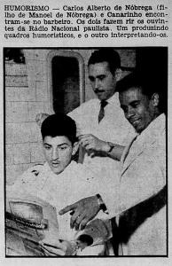 Canarinho ao lado de Carlos Alberto de Nóbrega na barbearia da TV Paulista