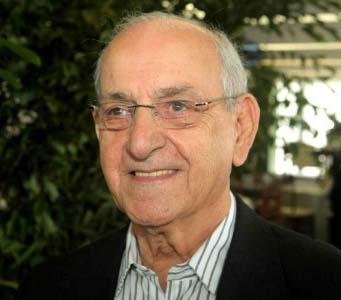 fernando-solera-81-anos-narrador-da-tv-gazeta-1387203119867_615x300